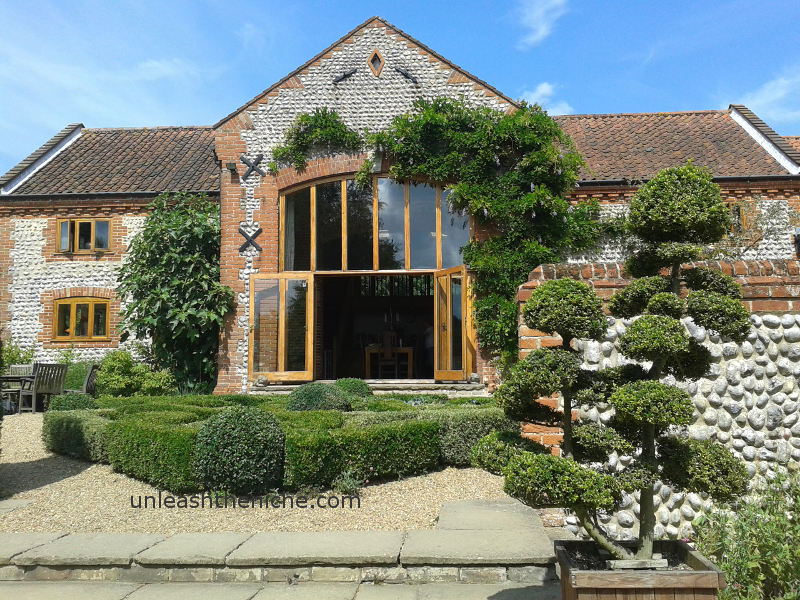 Wedding venues Norfolk, UK - unique alternative Halls, Barns, woods ...